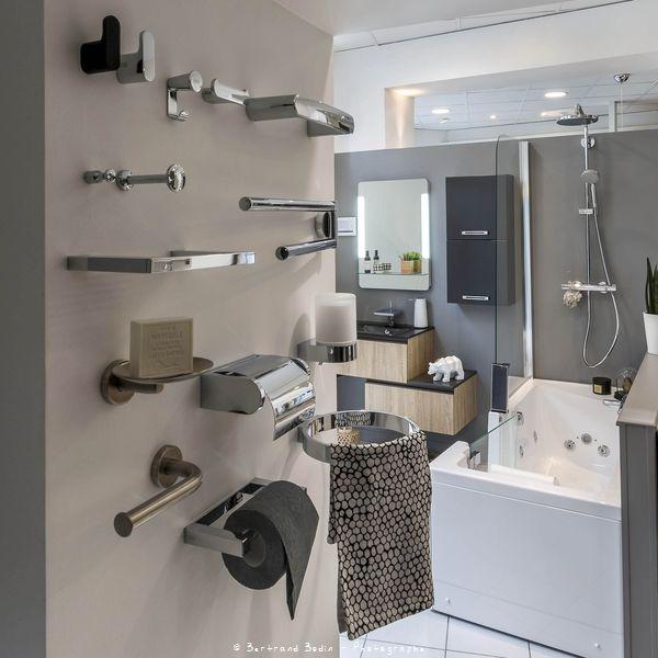 show room salle de bain elegant with show room salle de. Black Bedroom Furniture Sets. Home Design Ideas