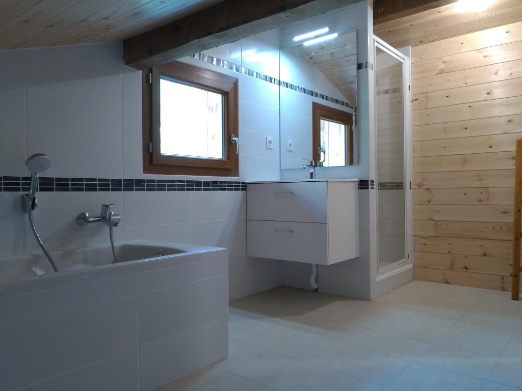 Photo Salle De Bain Sous Comble aménagement de salle de bain en sous pente à gap